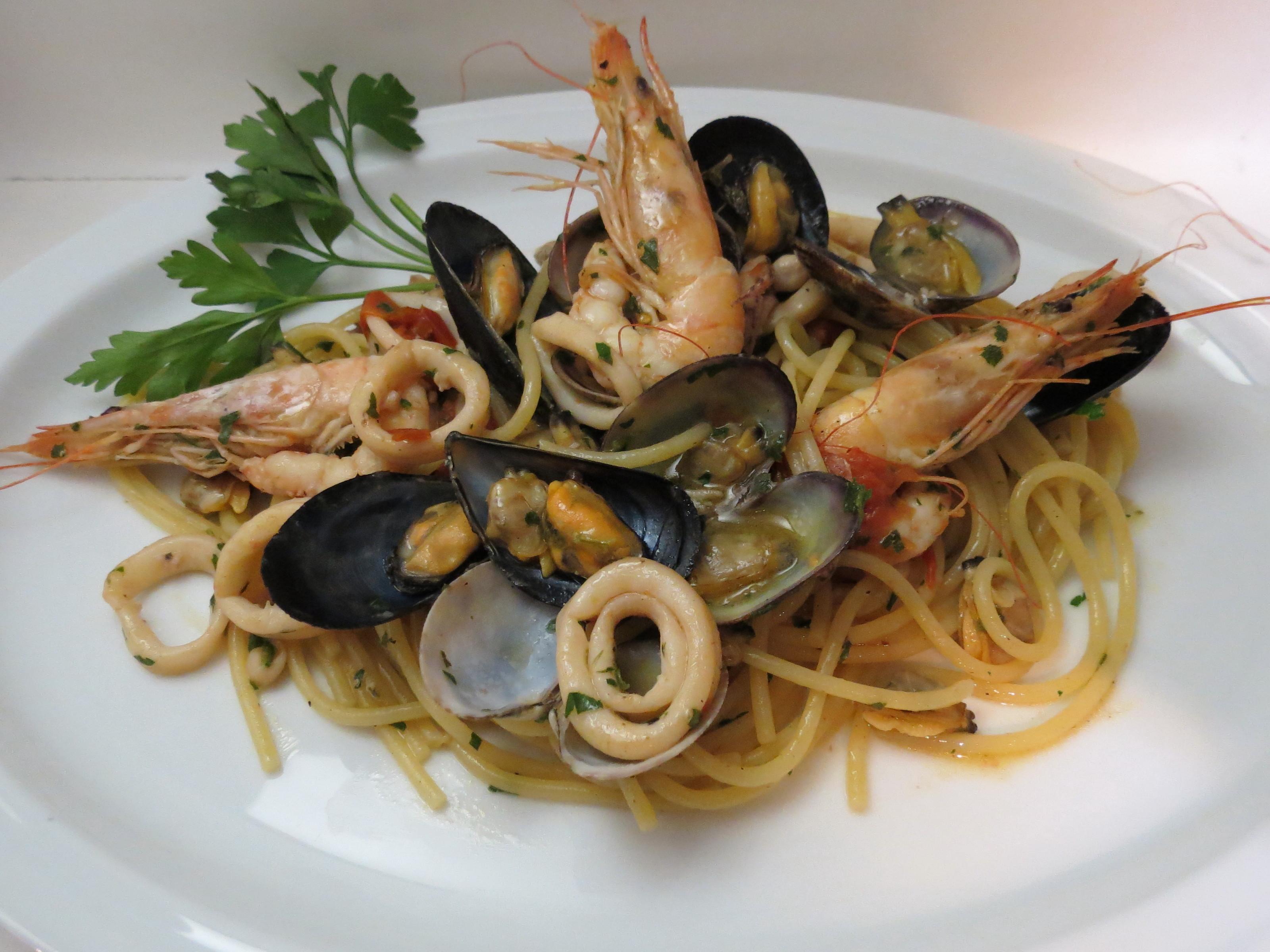 Spaghetti ai Frutti di Mare | La cucina di Lalla